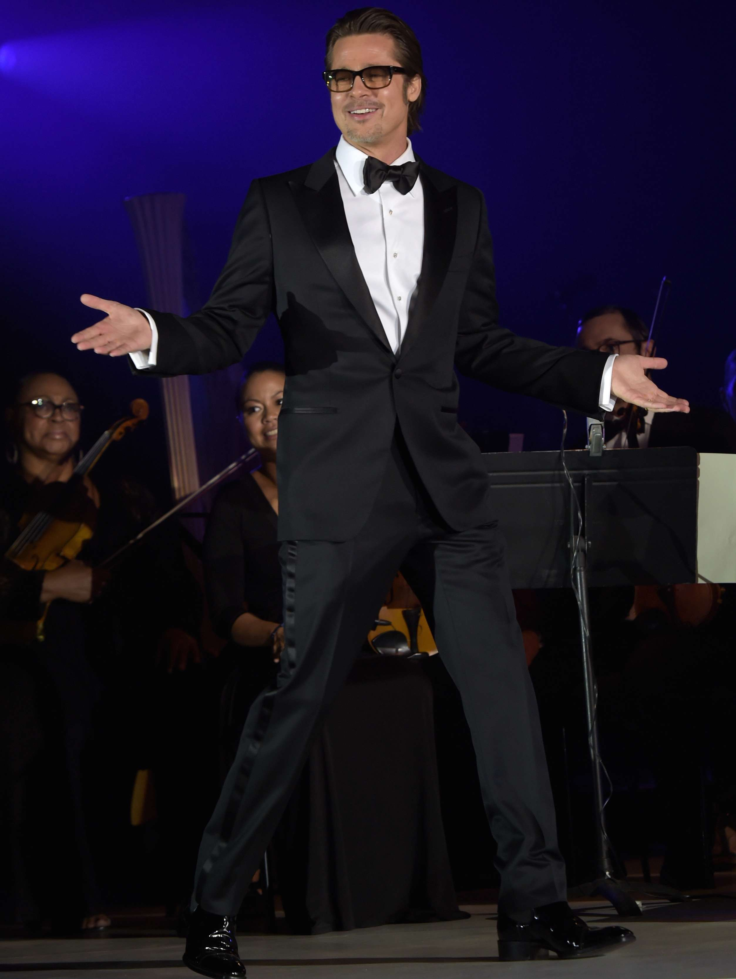 Brad Pitt quiso cumplir con su deber como ciudadano americano pero no lo dejaron. Foto: Getty Images