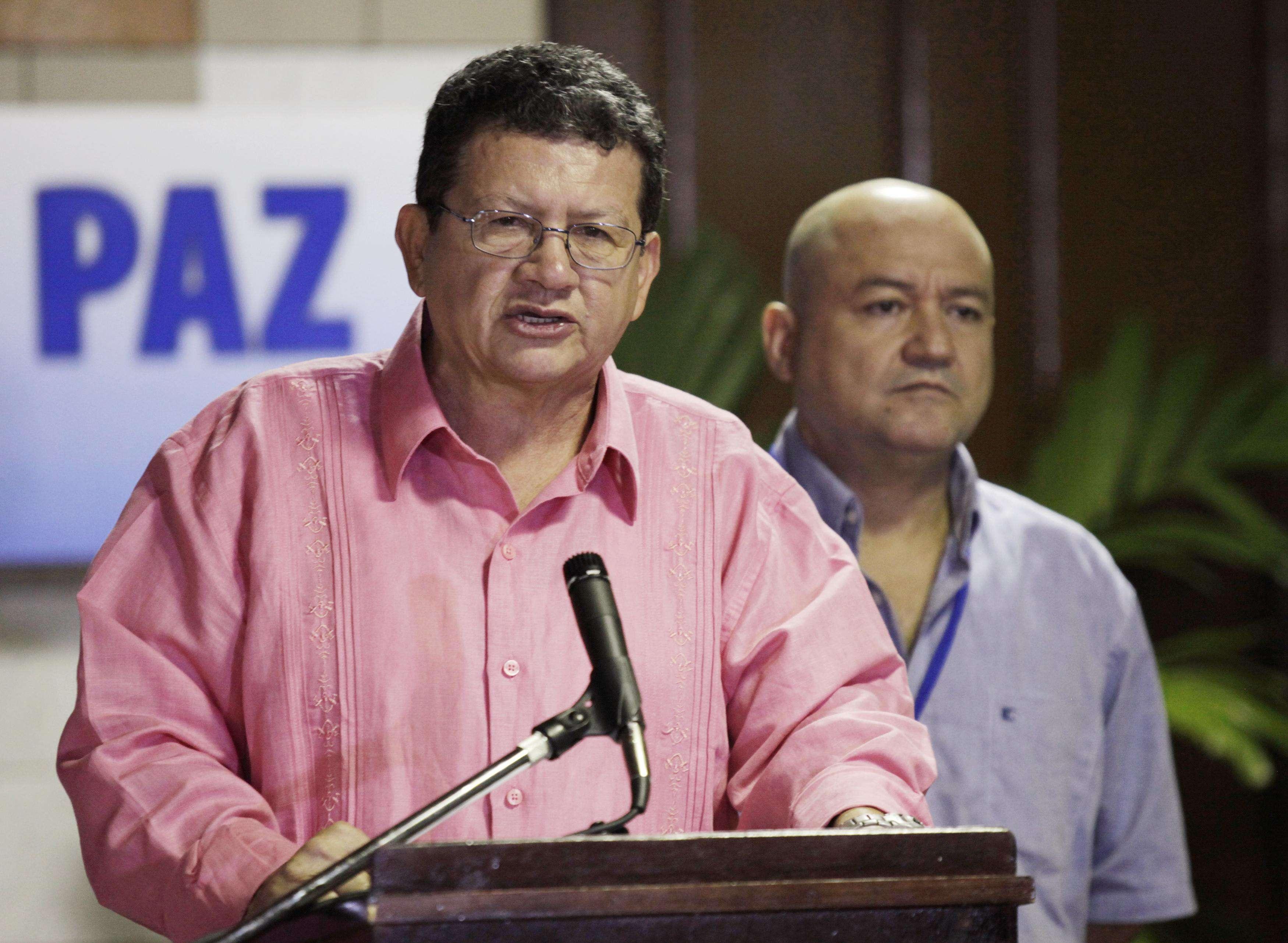Porta-voz das Farc anunciam trégua - grupo armado colombiano pediu perdão por massacre Foto: Enrique De La Osa/Reuters
