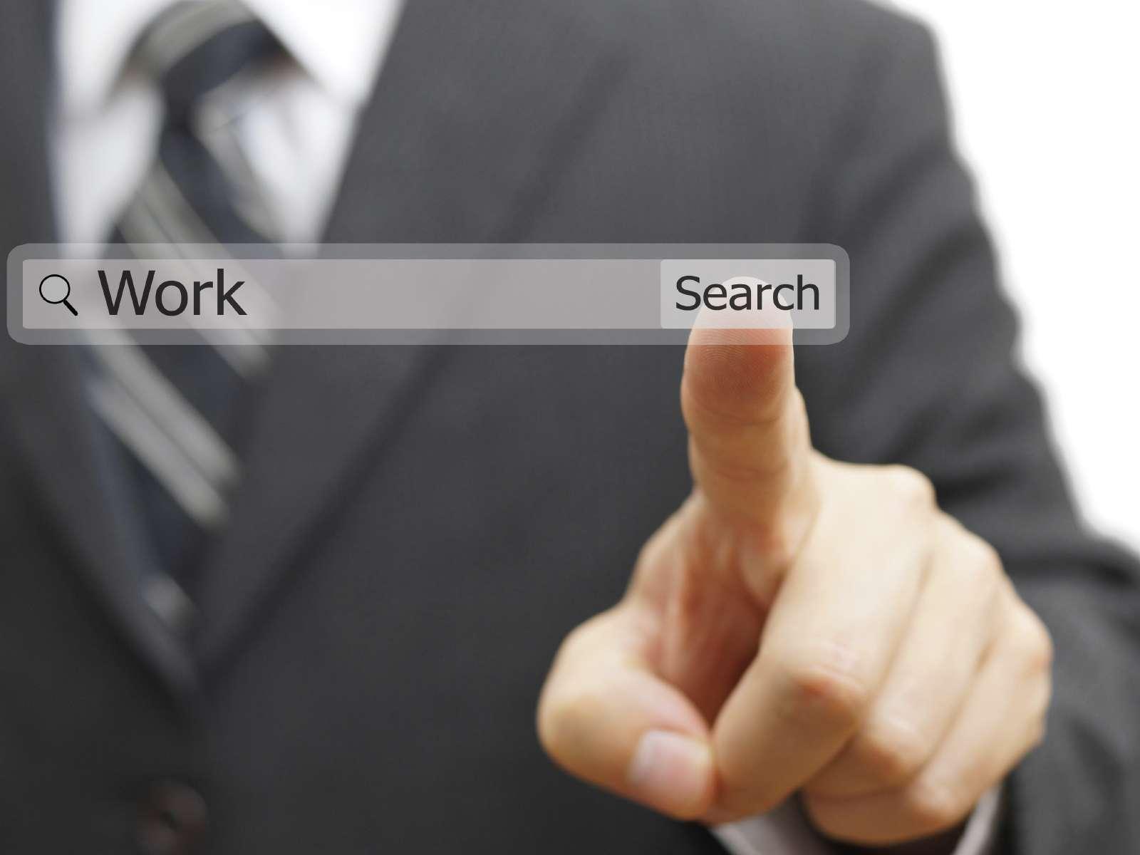 Actualmente, el 90% de las personas busca empleo por medio de internet, es vital tener un buen cv online. Foto: iStock