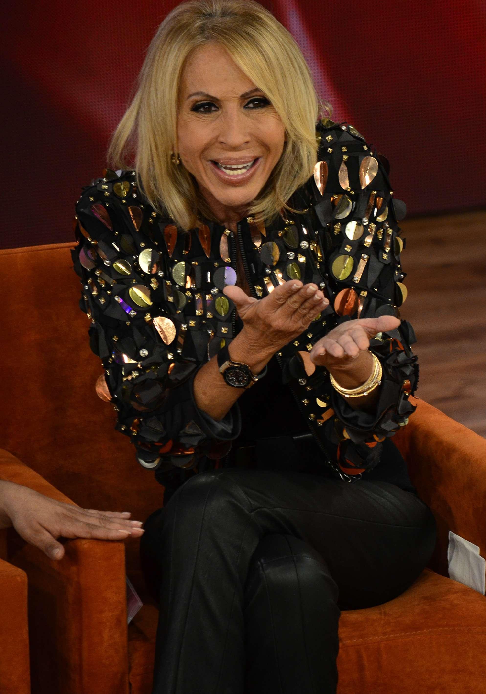 Laura Bozzo usó su programa de televisión para 'defender' a 'Chespirito' de las declaraciones de 'La Chilindrina'. Foto: Medios y Media
