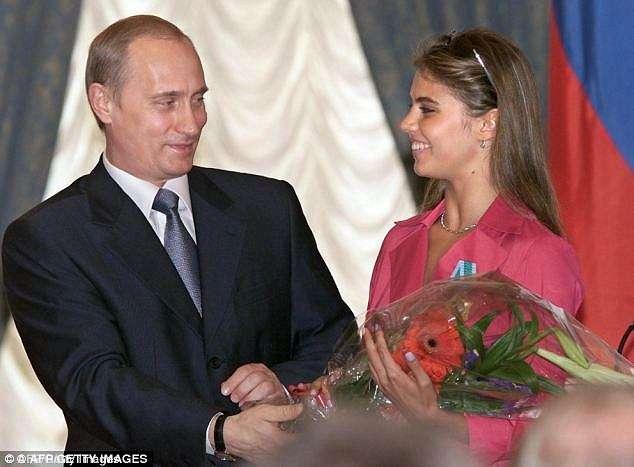 Boatos anteriores de que ele estaria com a ginasta olímpica Alina Kabayeva, 31 anos, foram negados veemente, mas voltou à tona Foto: Daily Mail/Reprodução