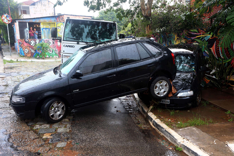 SP: chuva deixa seis regiões em estado de emergência Foto: Marcos Bezerra/Futura Press