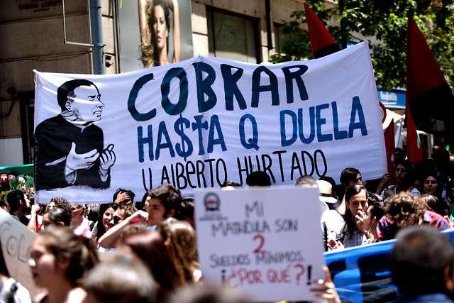 El pasado 18 de diciembre los estudiantes de FEUCEN protestaron por el alza de aranceles en distintas universidades privadas, Foto: Agencia UNO