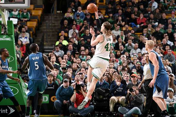 Los Celtics mejoraron su marca a 10-14. Foto: Getty Images