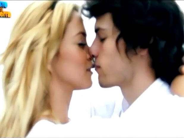 """Sheyla Rojas y Patricio Parodi de """"Esto es Guerra"""". Foto: Captura de video"""