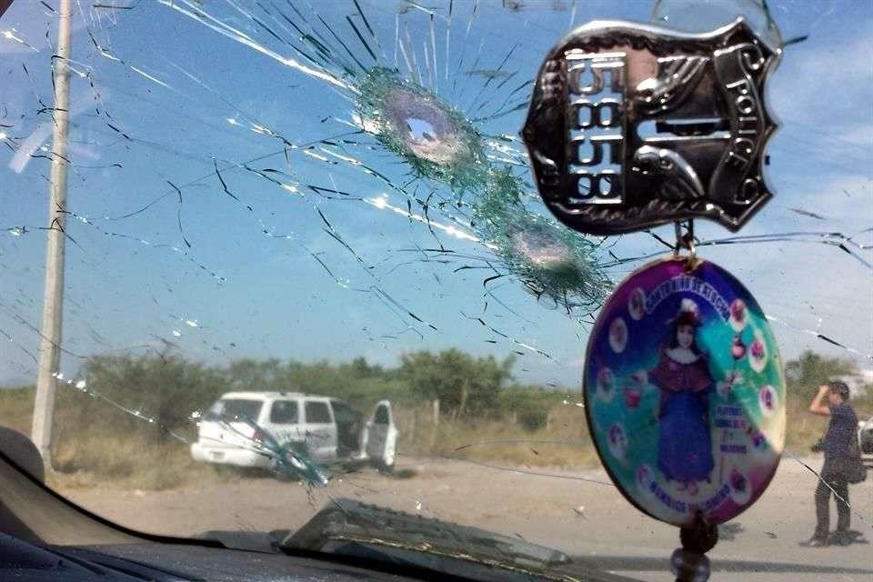 El Comisionado federal para la Seguridad en Michoacán, Alfredo Castillo, informó que de las investigaciones realizadas hasta ahora no se desprende ninguna participación o responsabilidad de este cuerpo policiaco en la balacera del martes que dejó 11 muertos en La Ruana. Foto: Reforma