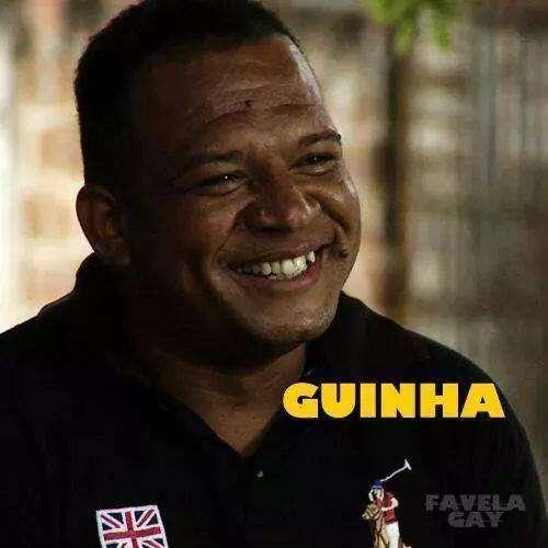 O líder comunitário, também conhecido como Guinha, tinha 41 anos, era militante da causa gay e fundador do Grupo Diversidade LGBT do Alemão Foto: Facebook \ Instituto Raizes em Movimento/Reprodução