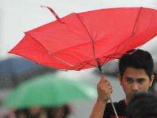 Paraguas volteado por el viento Foto: BBC Mundo/Copyright