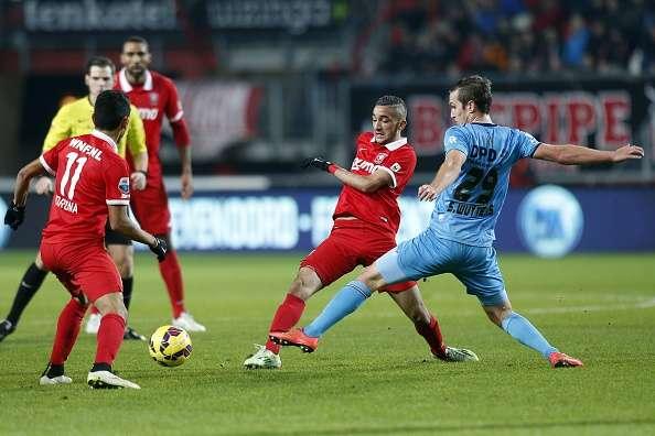 Corona y Twente son quintos en la Eredivisie. Foto: Getty Images