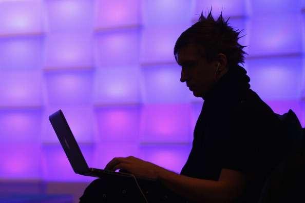 El criminal cibernético asegura que tiene en su propiedad más de 100 mil páginas con datos confidenciales. Foto: Getty Images