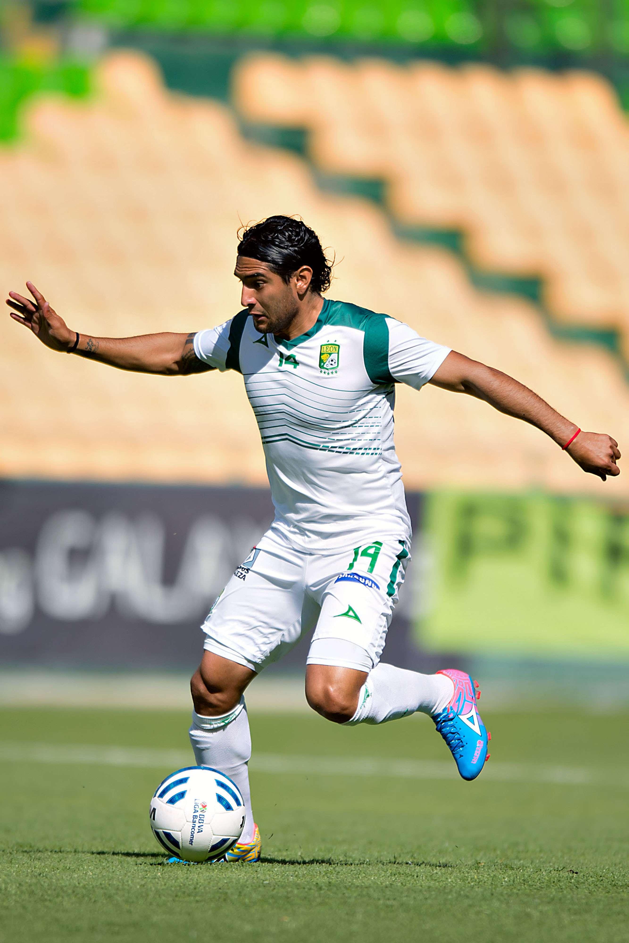"""Martín Bravo hizo un gol de los """"Panzas Verdes"""". Foto: Mexsport"""