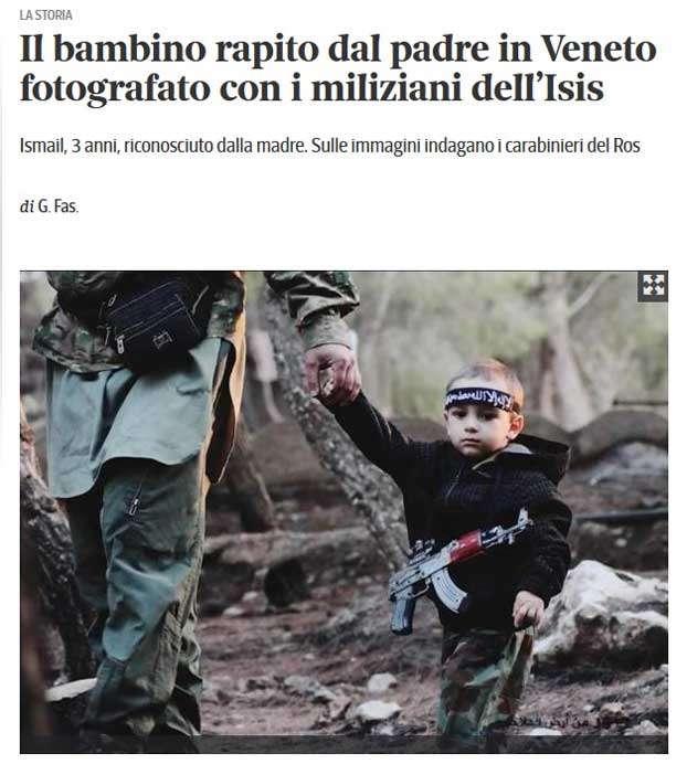 Imagen del diario Corriere della Sera en la que se ve al niño Ismail de la mano de un miliciano del Estado Islámico en Siria. Foto: Corriere della Sera
