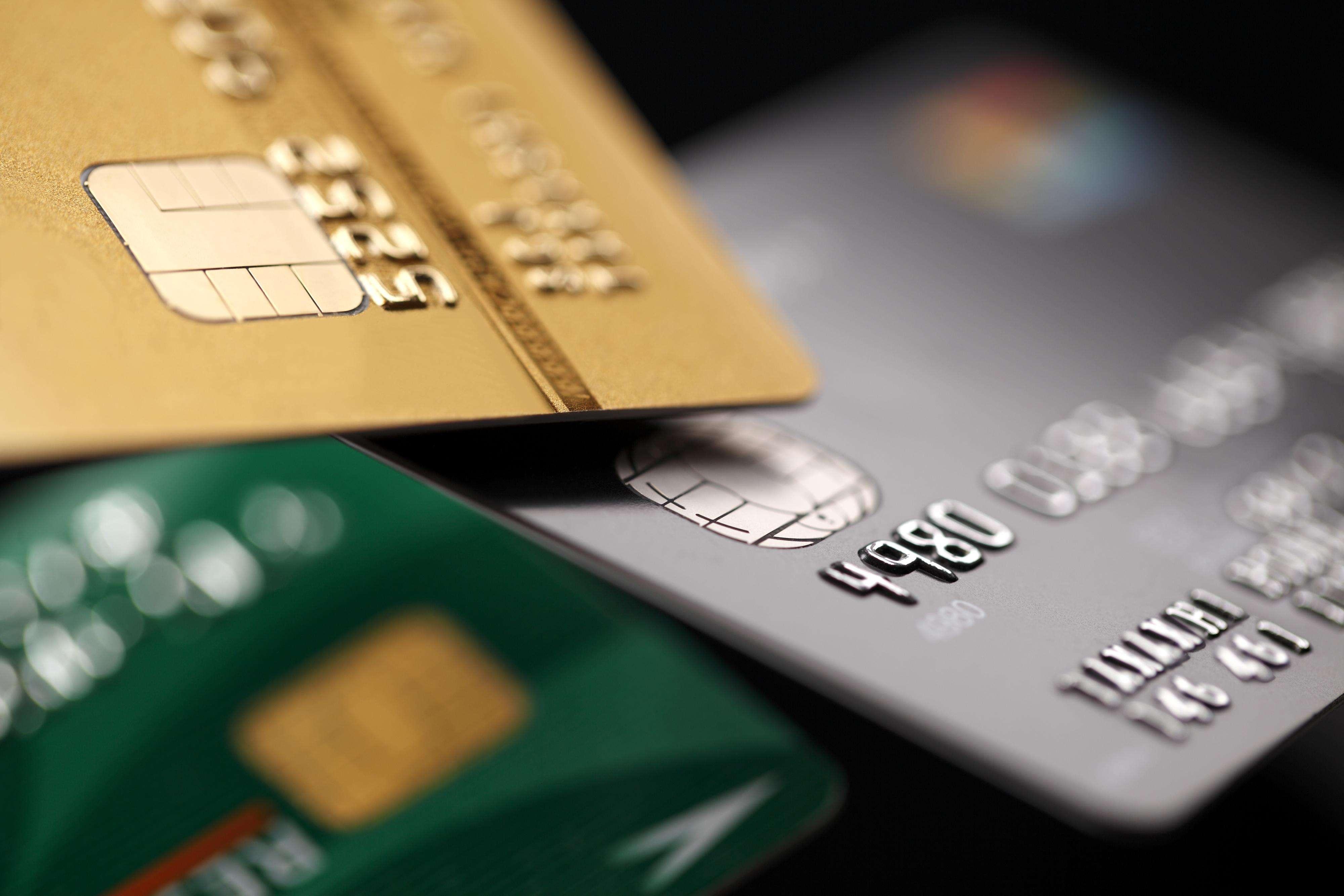 A loja pode pedir documento de identificação com foto para comprovar a identidade do consumidor Foto: Sumire8 /DollarPhoto