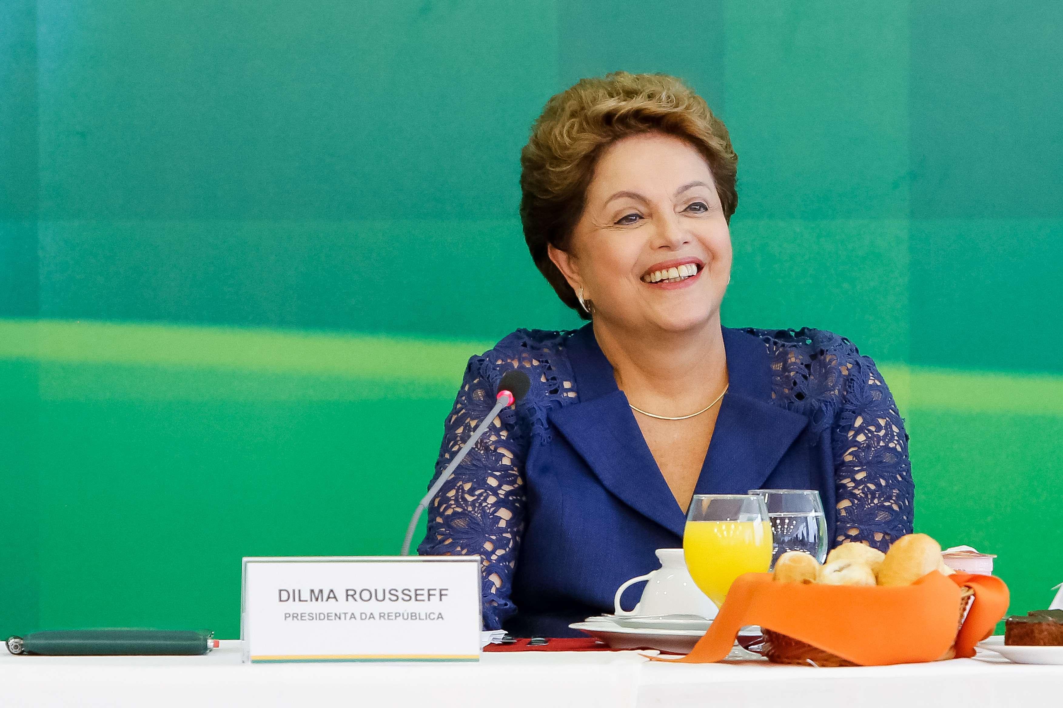 Dilma falou com jornalistas nesta segunda-feira Foto: Roberto Stuckert Filho/Presidência da República