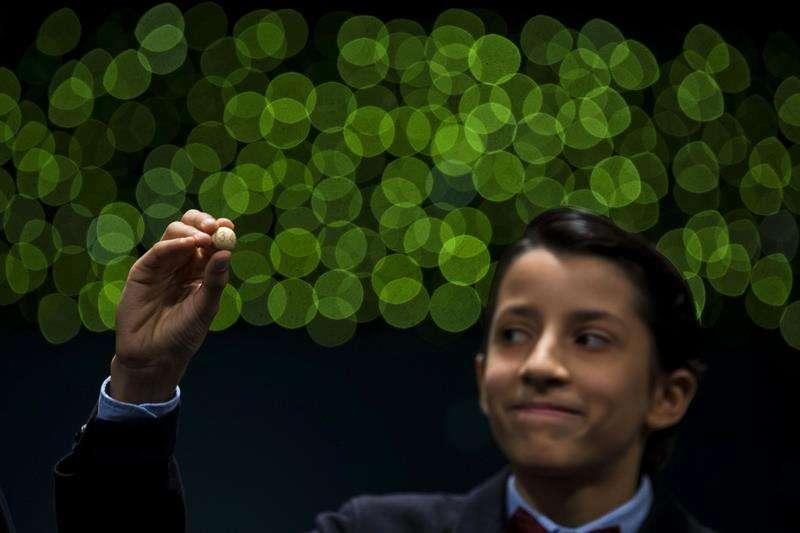 El número 13.437, premiado con el Gordo del sorteo de Navidad Foto: EFE en español