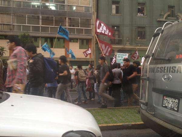 Marcha contra régimen laboral juvenil. Foto: Twitter