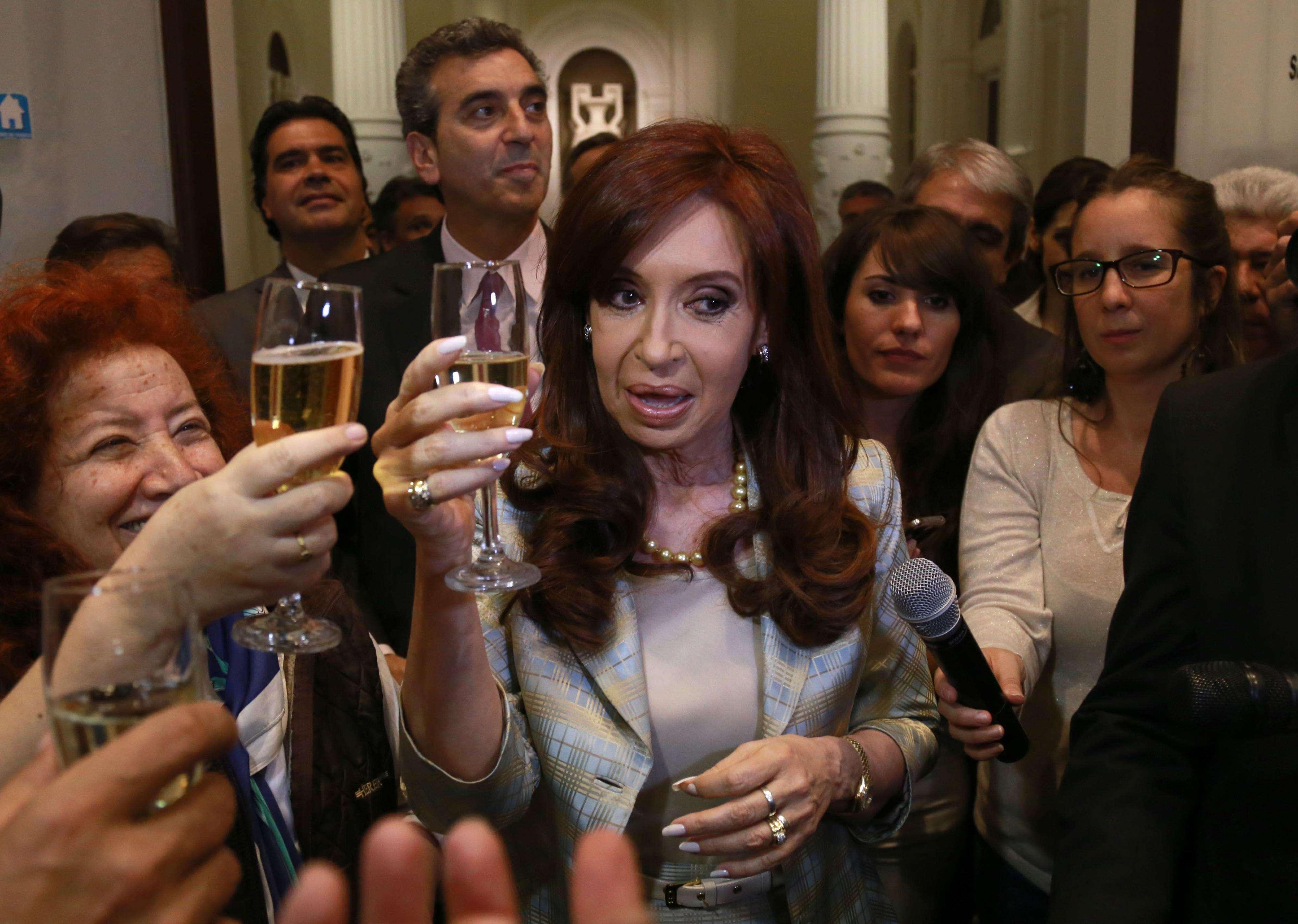 Cristina brindó con los periodistas acreditados en Casa de Gobierno. Foto: Noticias Argentinas