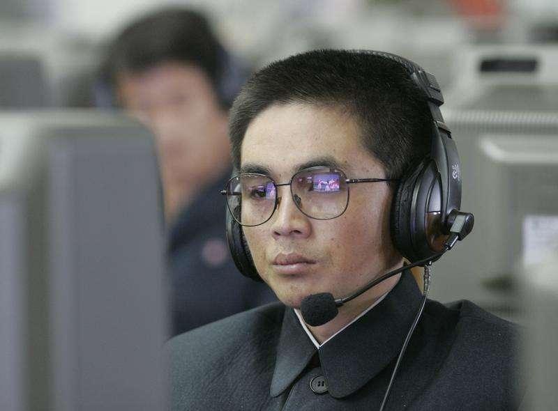 Un estudiante observa una pantalla de computador en Pyongyang. Imagen de archivo, 27 octubre, 2008. Corea del Norte, en el centro de un enfrentamiento con Estados Unidos sobre un ataque informático contra Sony Pictures, experimentó un corte total de Internet durante horas antes de que la conectividad fuera restablecida el martes, dijo una compañía estadounidense que supervisa la infraestructura de Internet. Foto: Jo Yong-Hak/Reuters