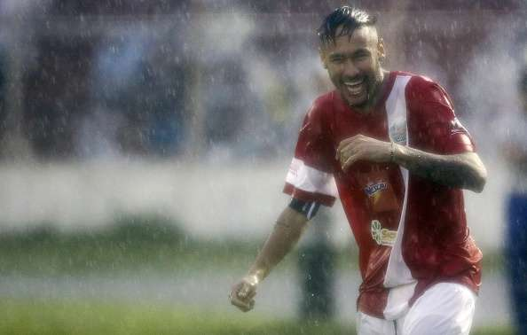 Neymar hizo disfrutar a los 12.000 aficionados. Foto: Getty Images