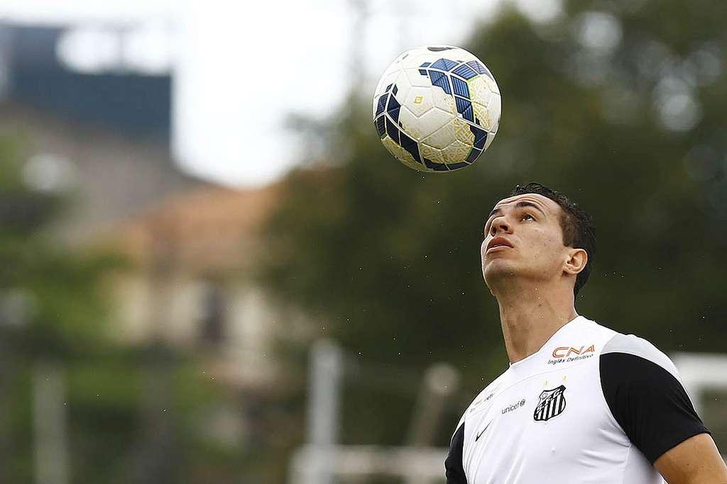Damião é o principal alvo do Cruzeiro para substituir Moreno Foto: Divulgação Santos FC
