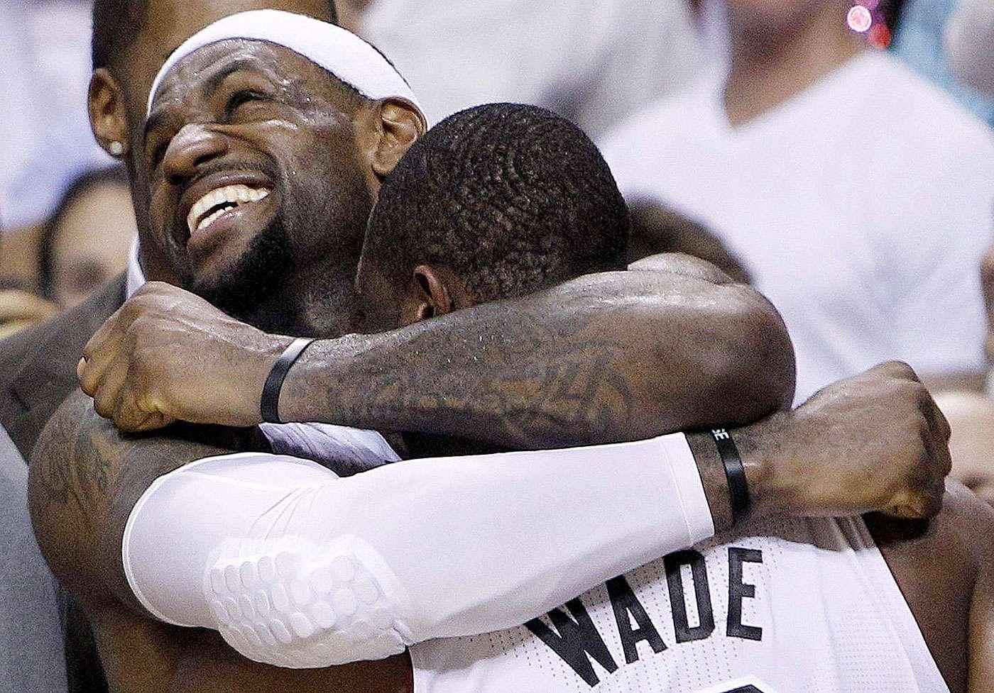 LeBron James y sus mejores momentos con el Miami Heat Foto: AP