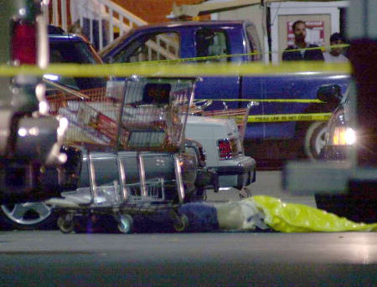 El tiroteo ocurrió a las 4:21 de la tarde del miércoles, menos de dos horas antes de que el centro comercial en Gretna fuera a cerrar por la festividad. Foto: Stefan Zaklin/Getty Images/Archivo
