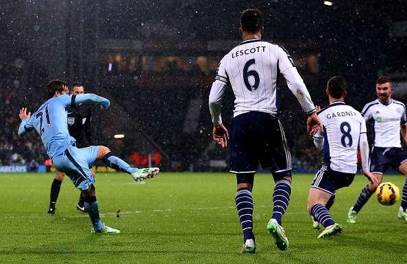 """El Manchester City de Manuel Pellegrini goleó por 3-0 como visita al West Bromwich en el duelo válido por la fecha 17 de la Premier League en la jornada conocida como el """"Boxing Day"""" tras Navidad y que se jugó bajo intensa nevazón. Foto: Getty Images"""