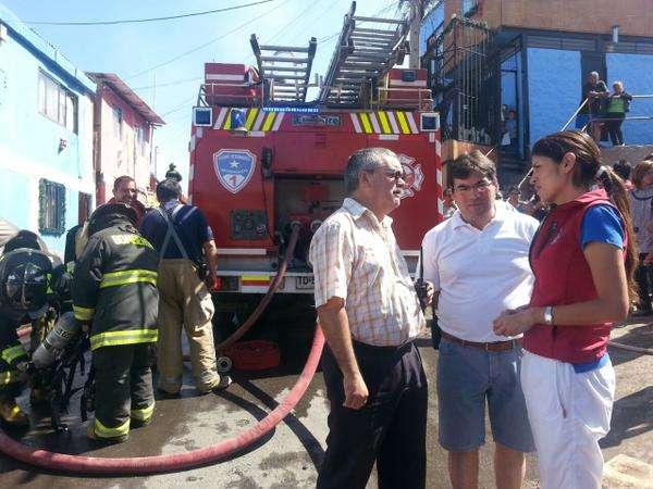 La alcaldesa coordina ayuda para los damnificados Foto: @AntofagastaMuni