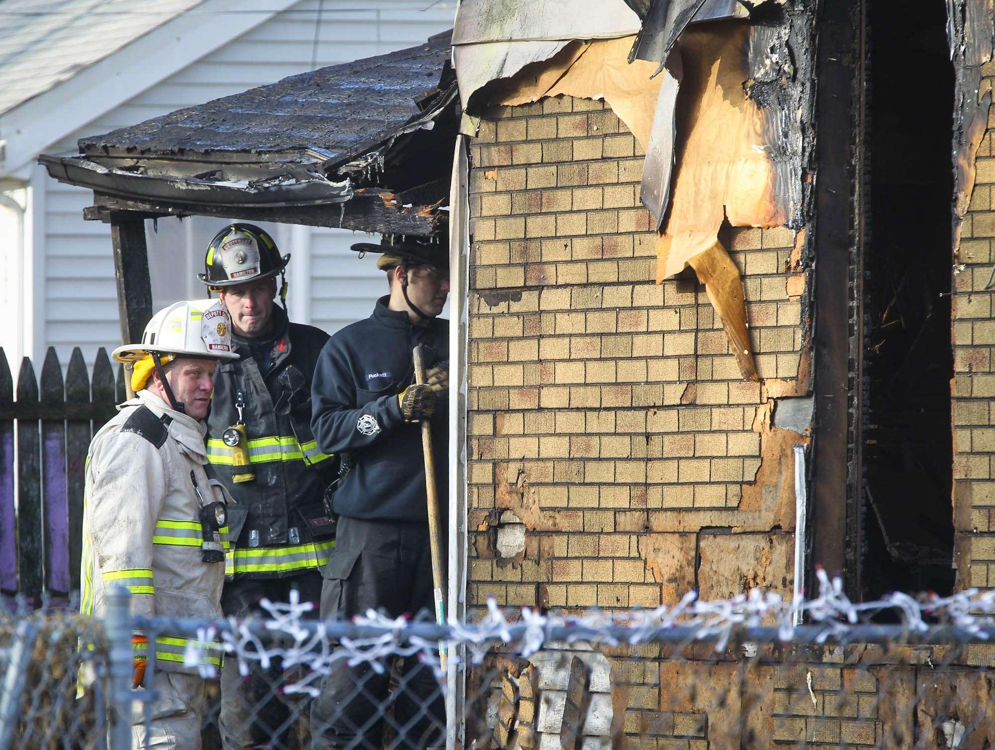 El pasado 12 de diciembre un incendio enlutó a una familia de Hamilton, Ohio. Foto: AP en español