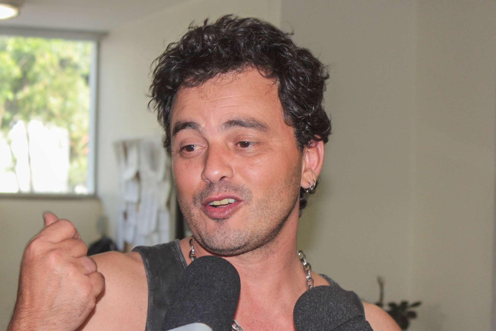 O sertanejo Renner, da dupla com Rick, foi preso na manhã de sexta-feira (26) após se envolver em um acidente de carro na zona sul de São Paulo. O cantor estava embriagado. Foto: Marco Ambrosio/AgNews