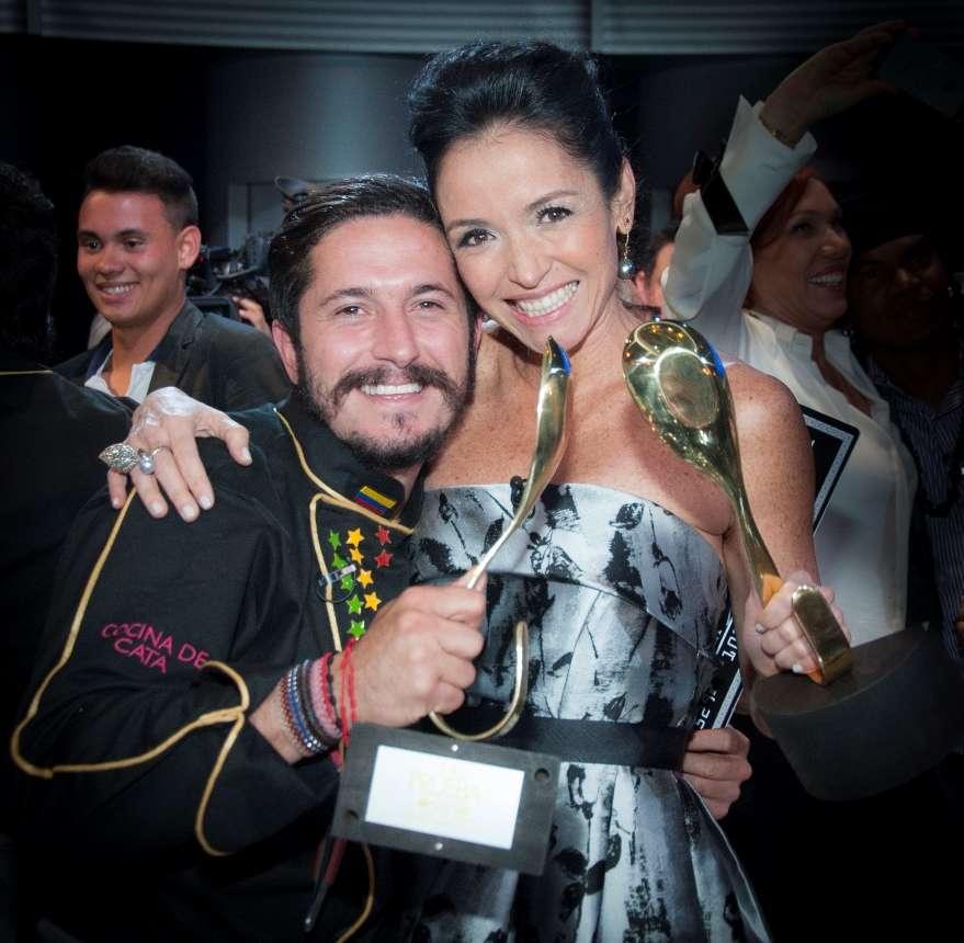Julian Hoyos y Catalina Vélez celebran en La Prueba Foto: Caracol Televisión/Archivo particular