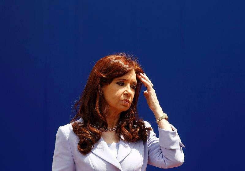 La presidenta de Argentina, Cristina Fernández de Kirchner, durante la 47 cumbre del bloque aduanero Mercosur en Paraná, al norte de Buenos Aires, 17 de diciembre de 2014. Foto: Enrique Marcarian/Reuters