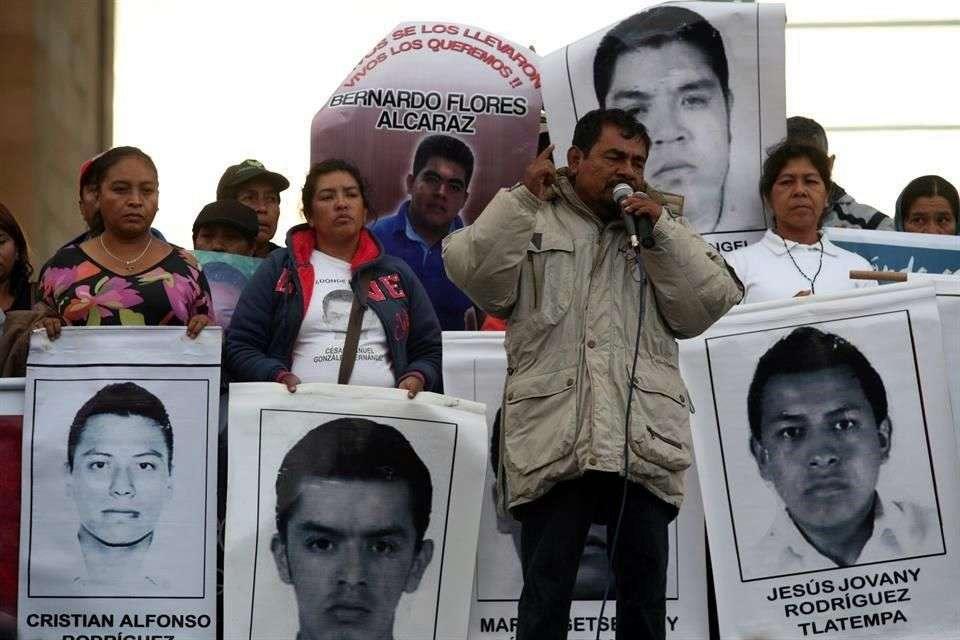 Además, el representante de padres de normalistas advirtió que no permitirán que se realicen las elecciones en Guerrero el próximo año. Foto: Agencia Reforma