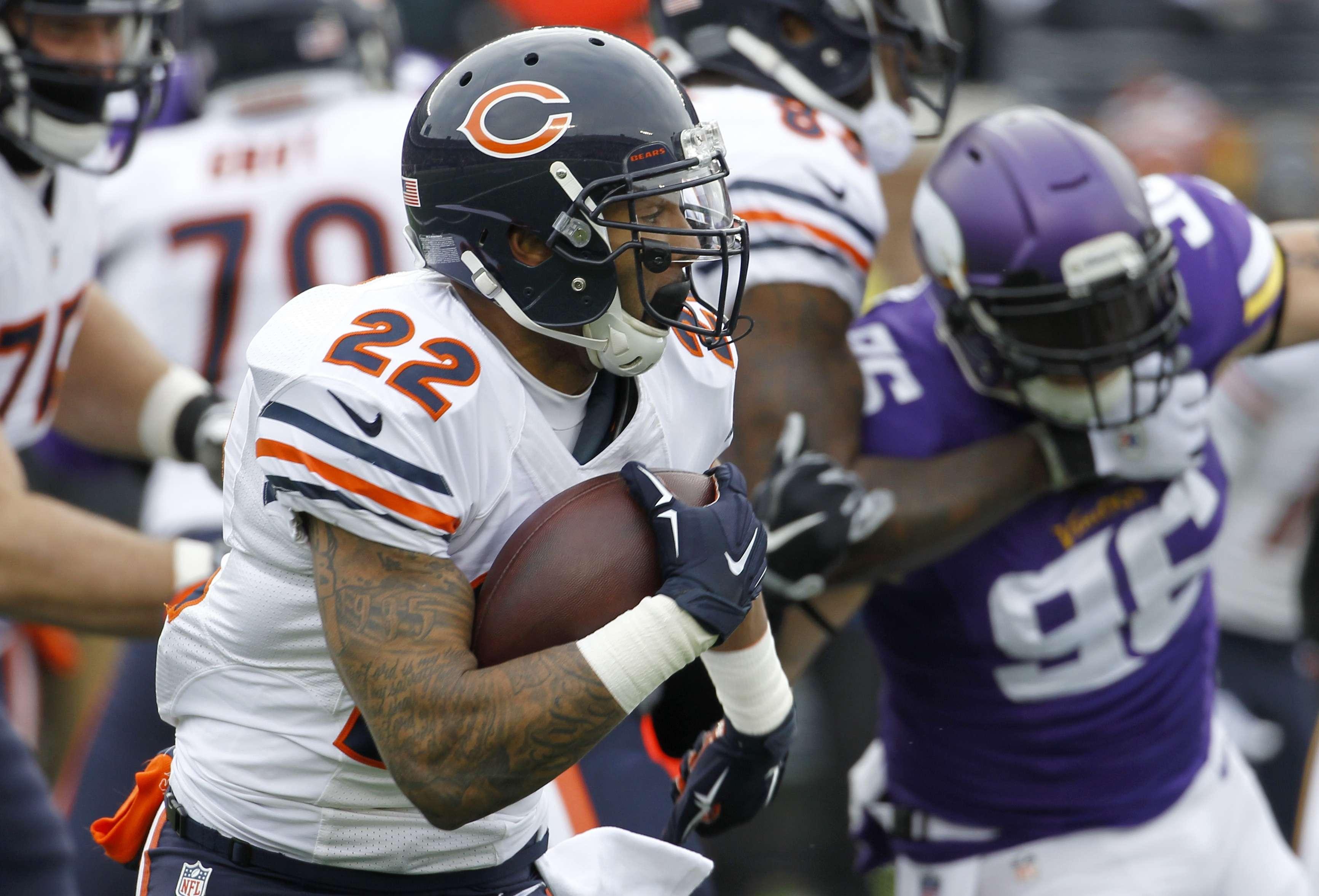 Matt Forte corrió para 51 yardas, para cerrar la temporada con 987. Foto: AP