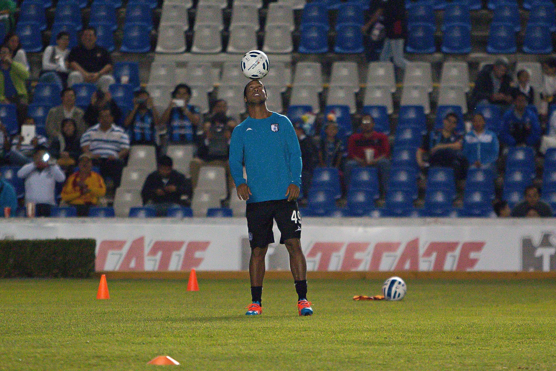 Ronaldinho marcó tres goles en nueve partidos con los Gallos en el Apertura 2014. Foto: imago7
