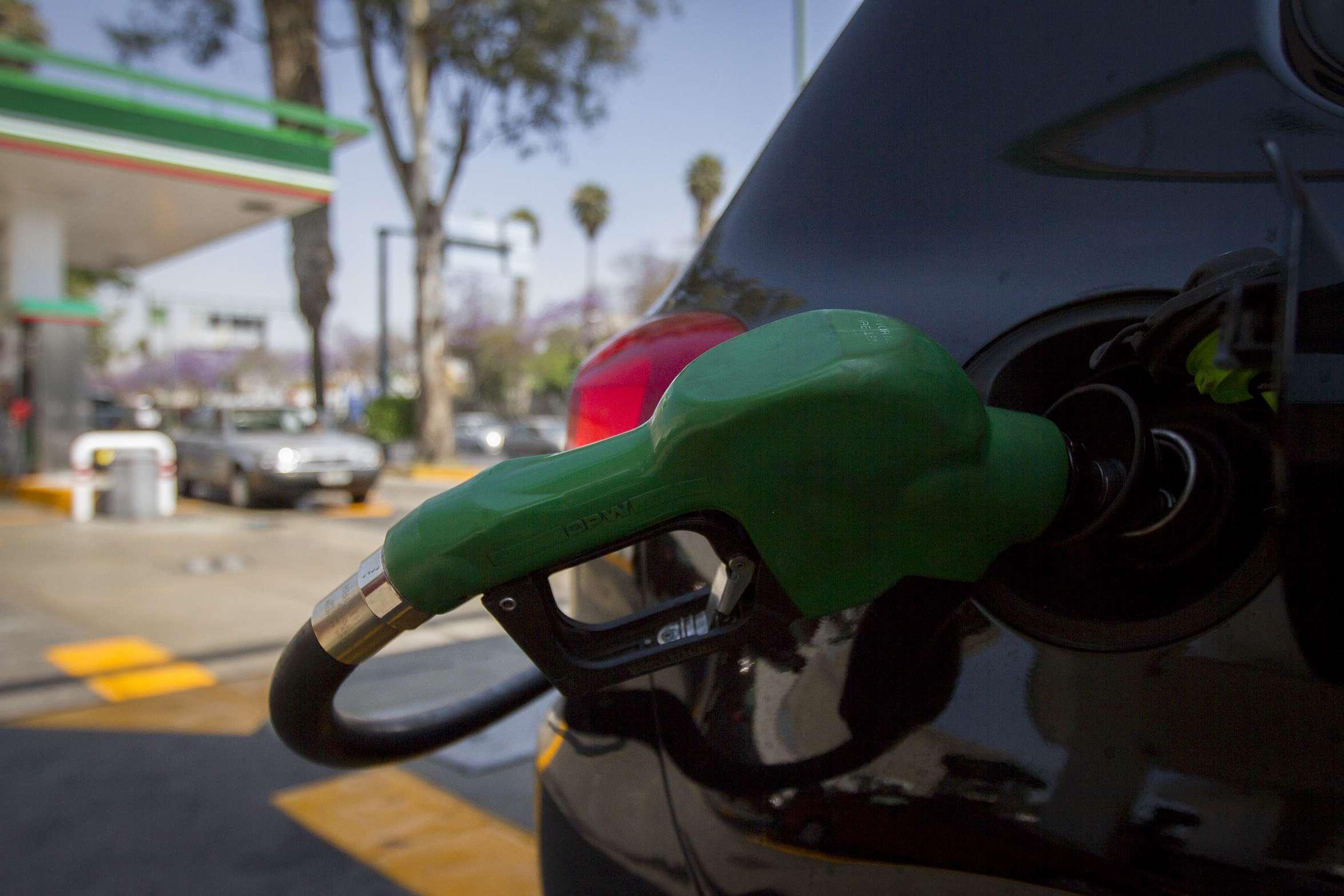 El precio de la gasolina sólo subió 1.9% a partir del 1 de enero. Foto: Notimex