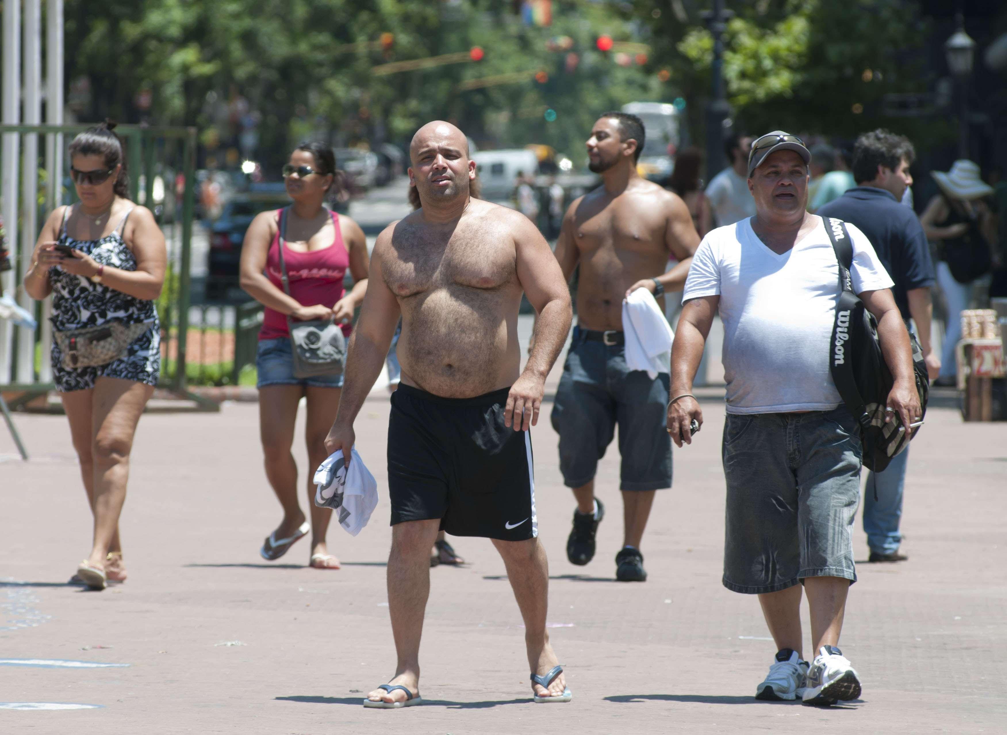 Calor agobiante en Buenos Aires. Foto: NA