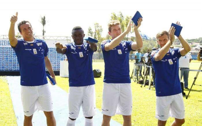 Cruzeiro apresenta reforços Foto: Facebook /Reprodução