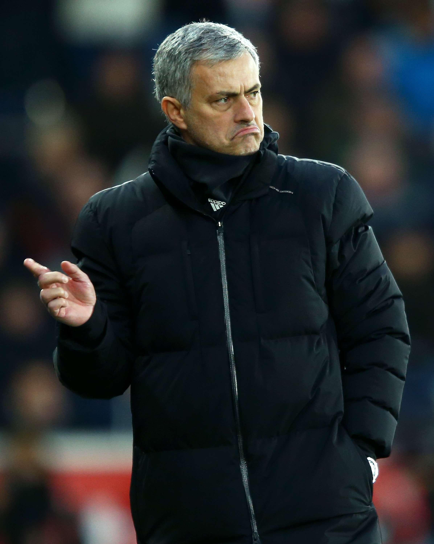 José Mourinho comanda o Chelsea no País de Gales Foto: Richard Heathcote/Getty Images