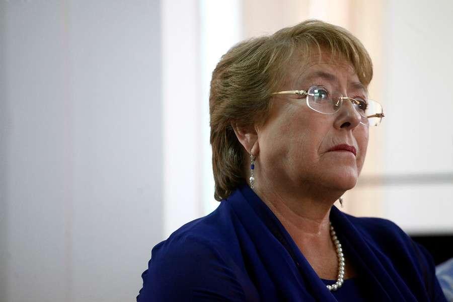 Se investigan posibles aportes en dinero de extranjeros a campaña de Bachelet. Foto: Agencia UNO