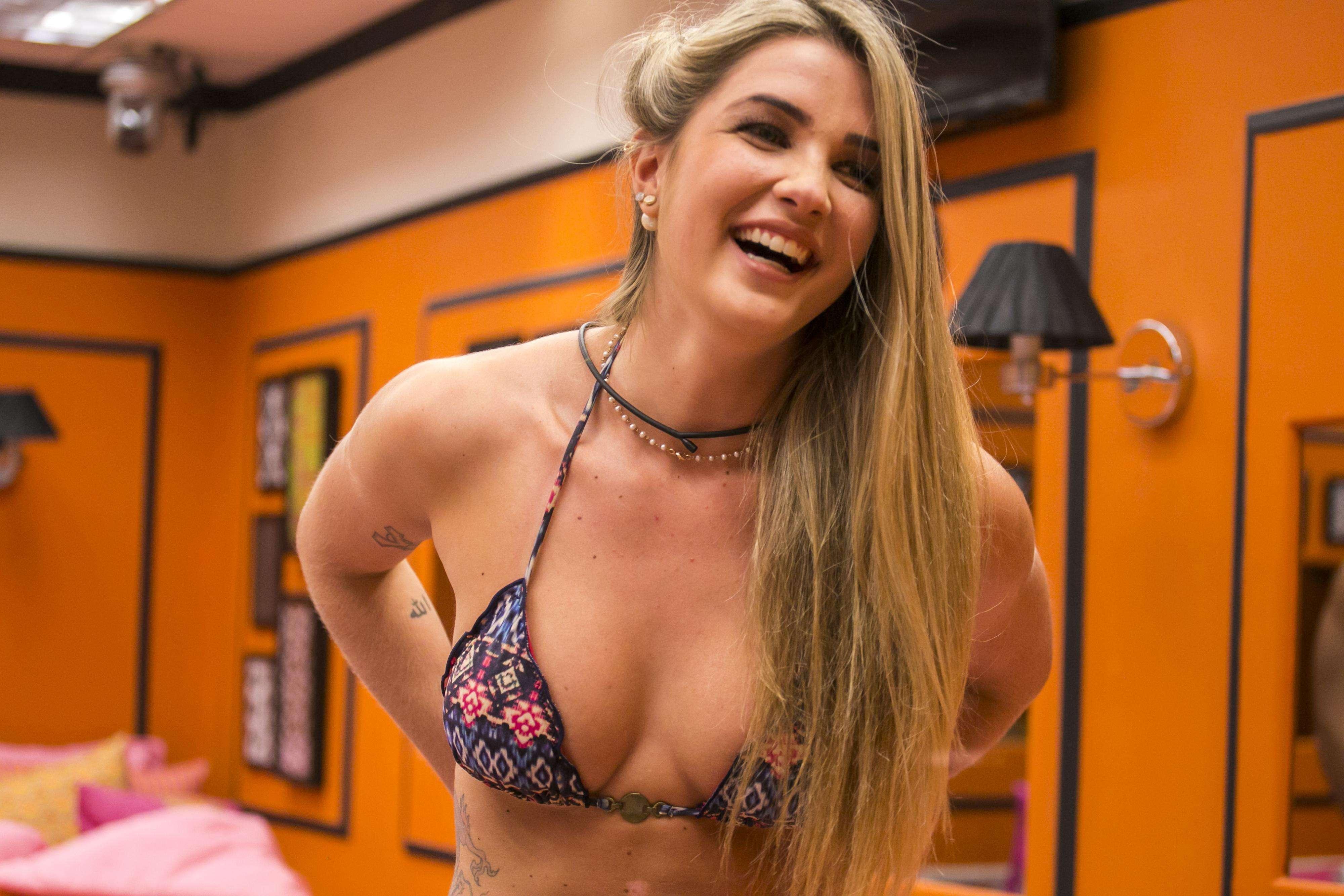 Aline é a nova participante do BBB15 Foto: TV Globo/Divulgação