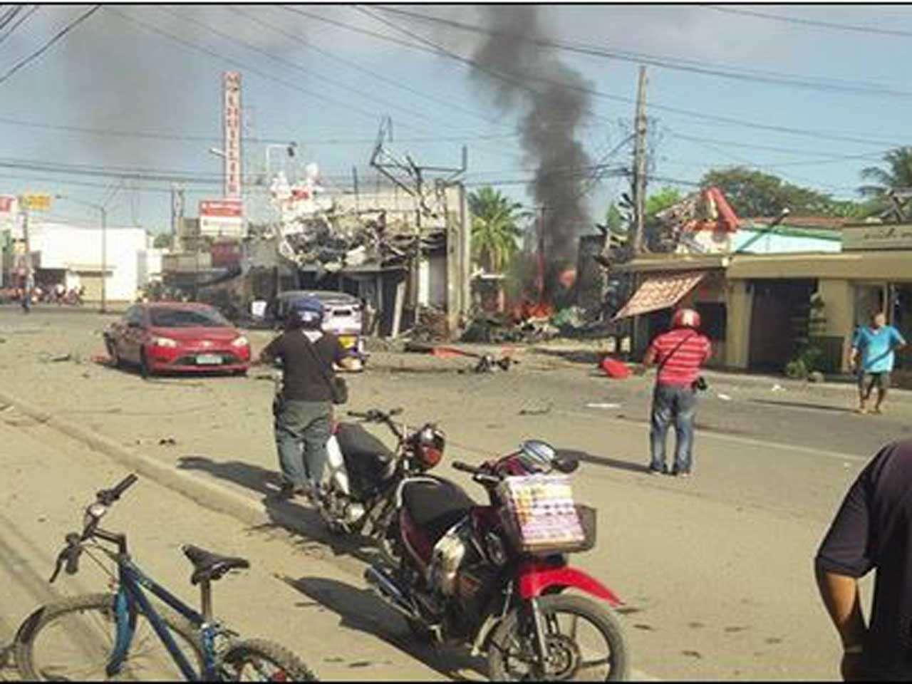 Un coche bomba estalló al sur de Filipinas, localidad de Zamboanga, en un hecho que dejó 48 heridos y al menos un muerto, el 23 de enero de 2015. Foto: www.gmanetwork.com