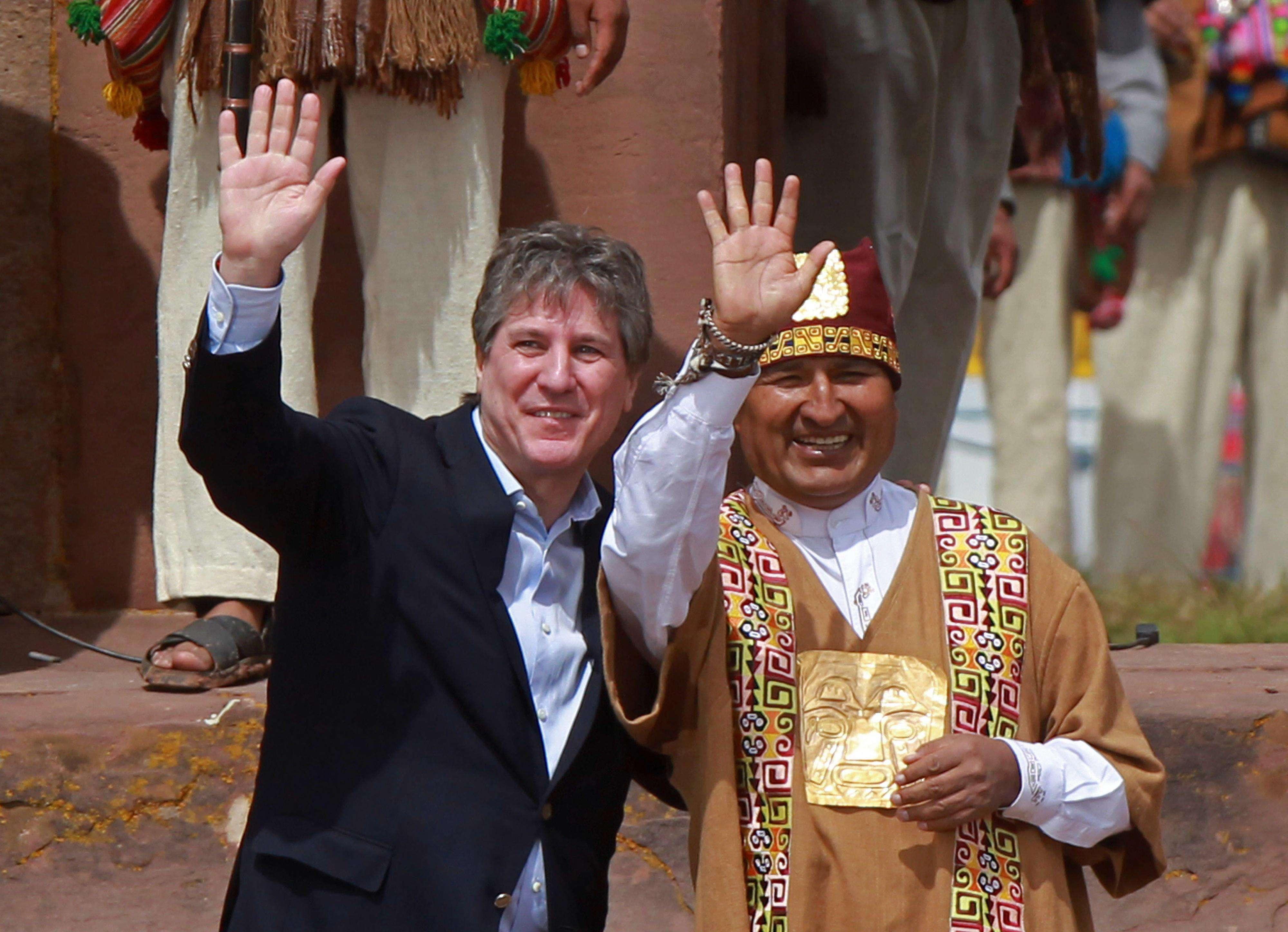 """El vicepresidente Amado Boudou aseguró la Justicia """"va desentrañar"""" lo ocurrido con el fiscal Nisman y que cree que se trata de """"una operación para desgastar al Gobierno"""". Lo hizo en el marco de la asunción de Evo Morales en su nuevo mandato como presidente de Bolivia. Foto: EFE"""