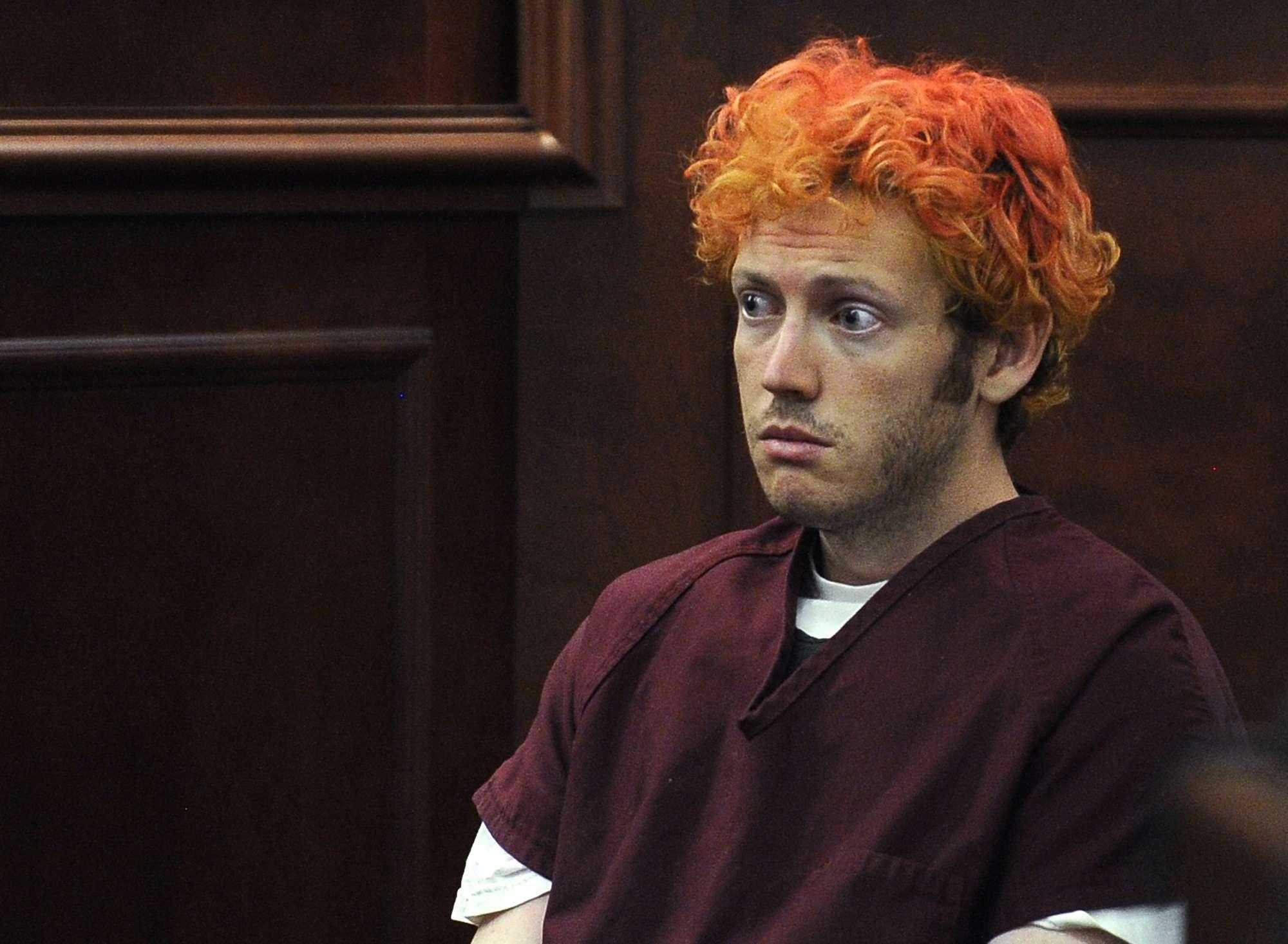Fotografía de archivo del 23 de julio de 2012 de James Holmes, acusado de abrir fuego en una sala de cine en Aurora, Colorado, en julio de 2012, matando a 12 asistentes e hiriendo a 70 más. Foto: AP en español
