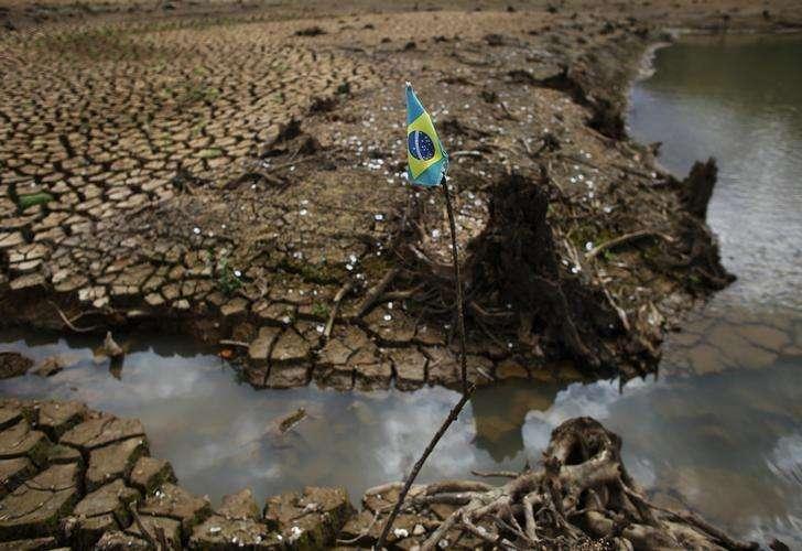 02/12/2015. Foto: Nacho Doce (BRAZIL - Tags: DISASTER ENVIRONMENT SOCIETY)/Reuters