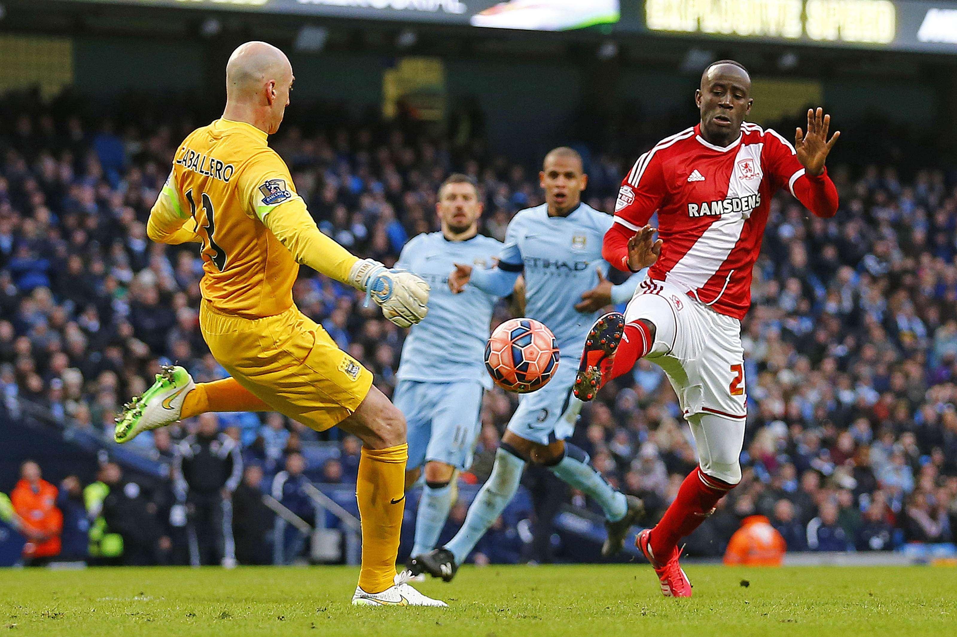 El Manchester City de Manuel Pellegrini perdió 2-0 ante Middlesbrough y quedó eliminado de la FA Cup, sin poder aprovechar la localía y pagó caro un error de Fernando y Willy Caballero. Foto: Reuters en español
