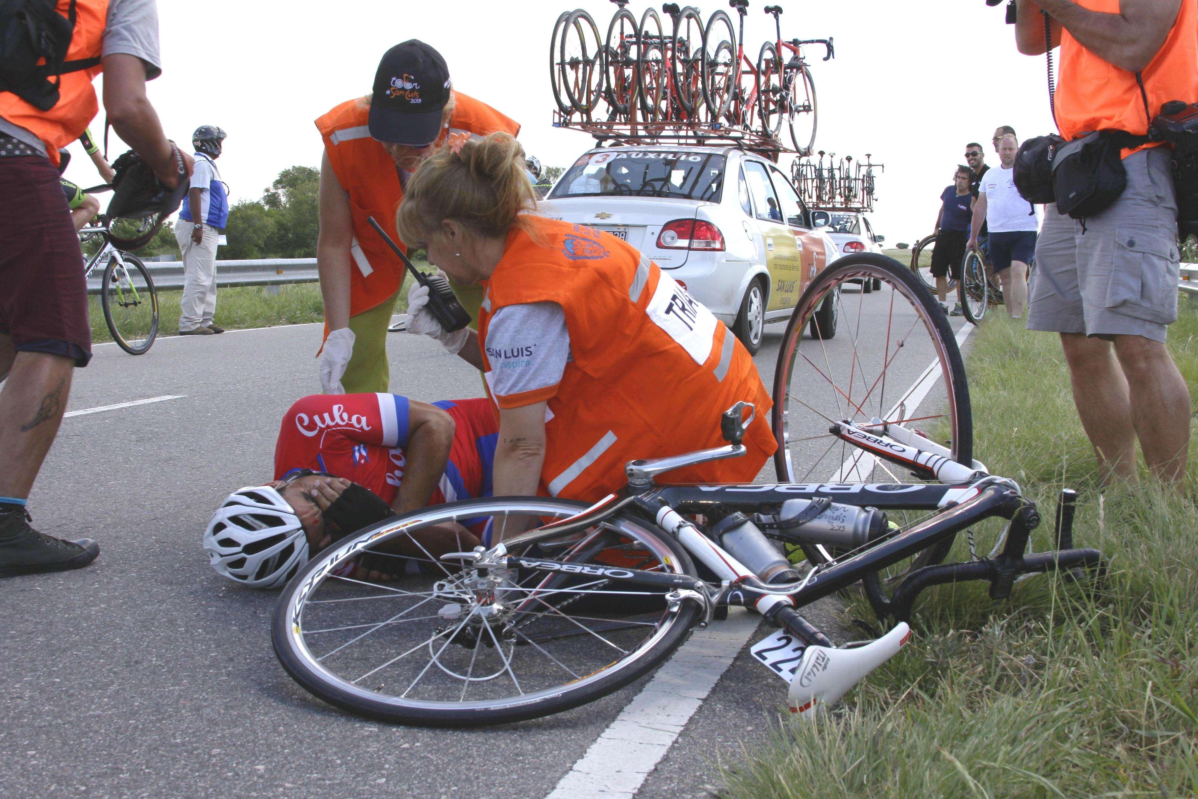 Accidentes hay siempre. Pero la mayoría sigue. Y son curados mientras ruedan. Foto: AGENCIA SAN LUIS / XEB PEREZ/