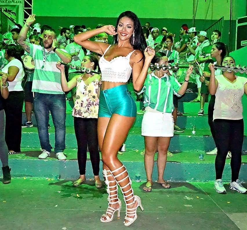 Além de musa, Aline trabalha como modelo Foto: JL Prado / MF Models Assessoria /Divulgação