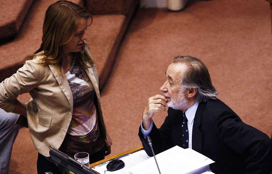 Carlos Lavín dijo que Novoa y von Baer pidieron dinero a sus campañas. Foto: Agencia UNO