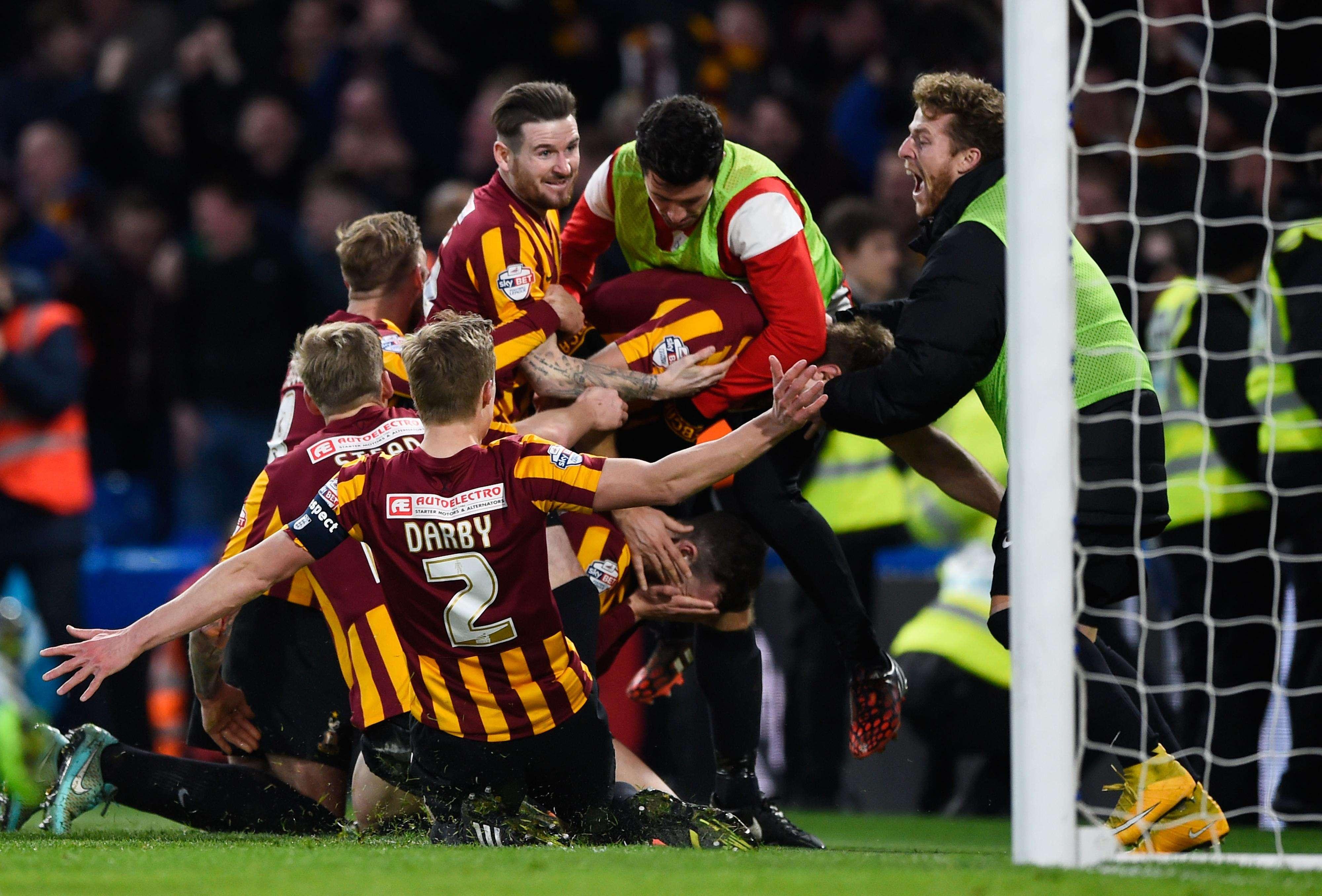 Bradford saiu perdendo por 2 a 0, mas virou incrivelmente por 4 a 2 contra Chelsea Foto: Mike Hewitt/Getty Images